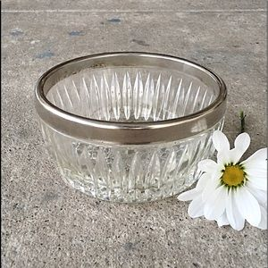 Vintage | Pressed Glass Nappy Bowl Silverplate Rim